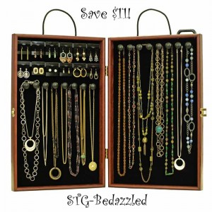 traveling necklace display case